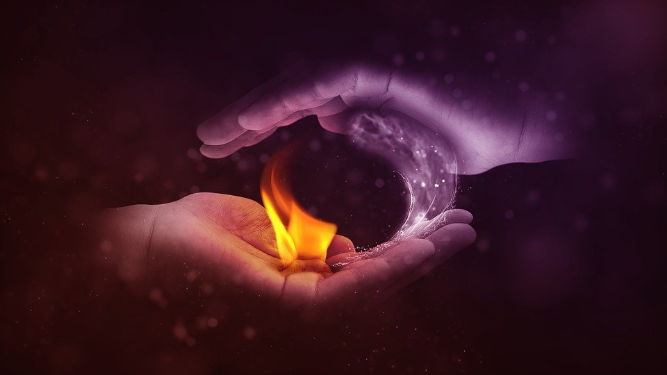 Yin Dan Yang, Api, Air, Tangan, Berlawanan